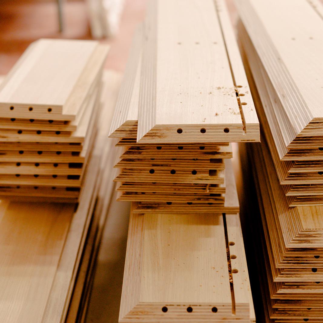 Produzione mobiltesino - lavorazione legno